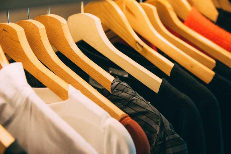 Evita que las polillas estropeen la ropa de tu armario